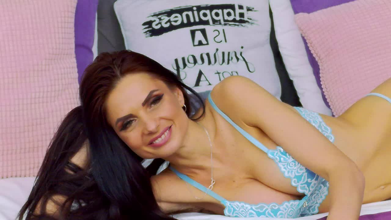 AryannaMoon cam pics and nude photos 20