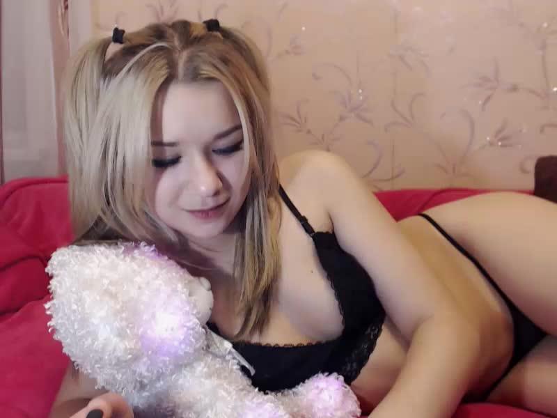 CharmingDoll1 webcam picture