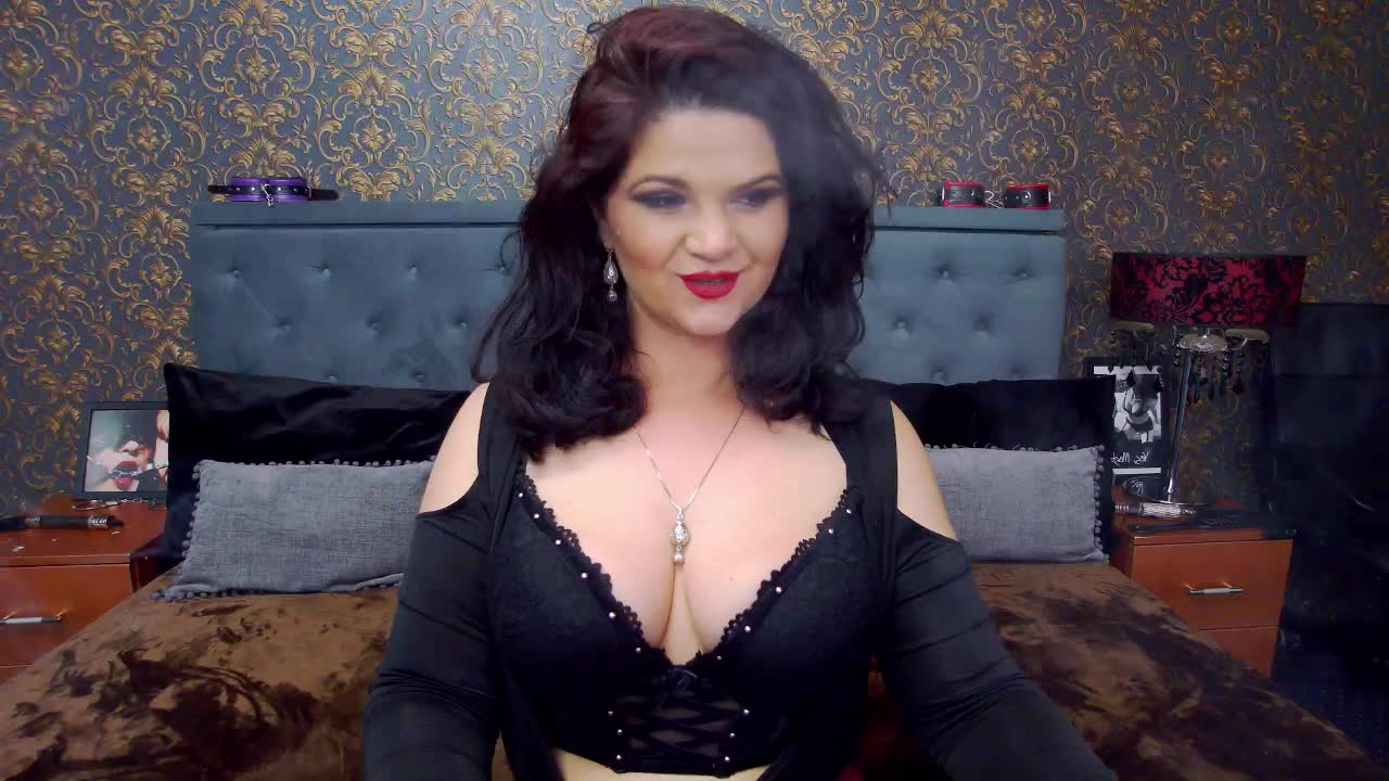 Dolly4You cam pics and nude photos 9