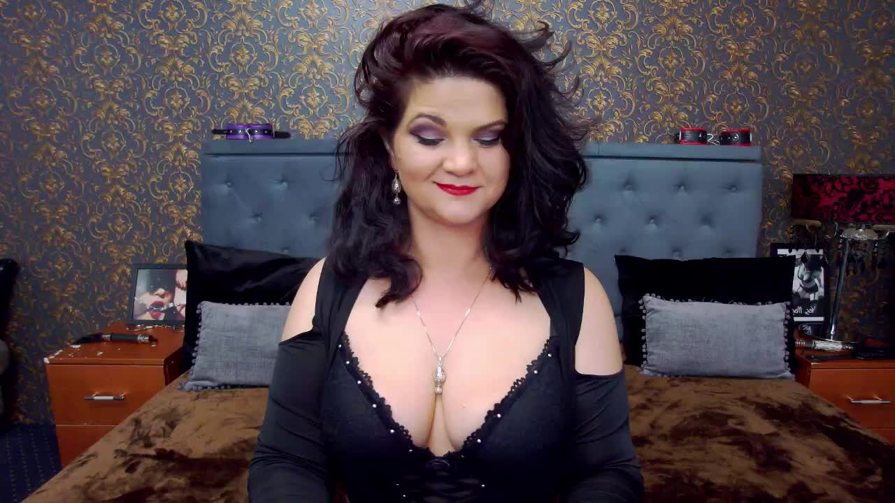 Dolly4You cam pics and nude photos 6