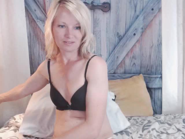 HeidiHanson webcam picture