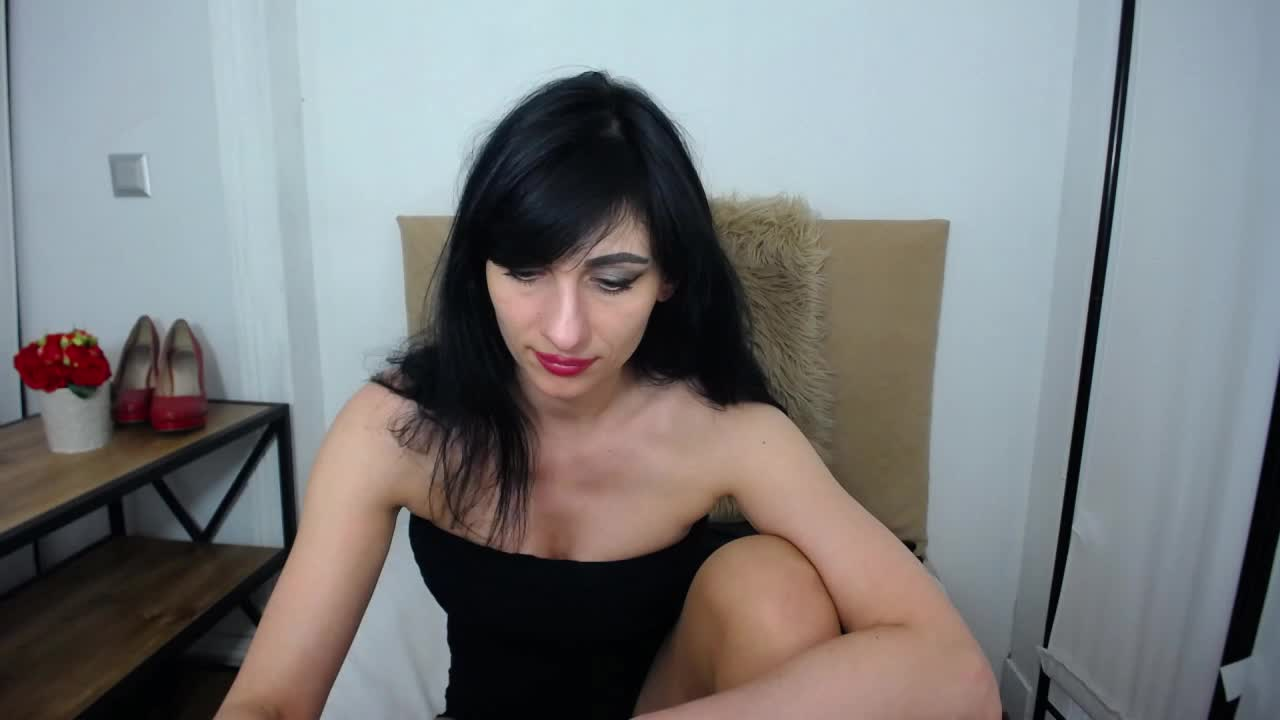 IsabellPetite cam pics and nude photos 13