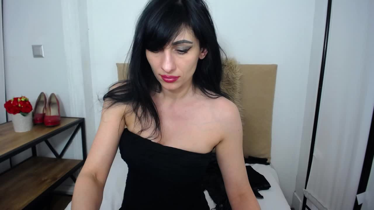 IsabellPetite cam pics and nude photos 12