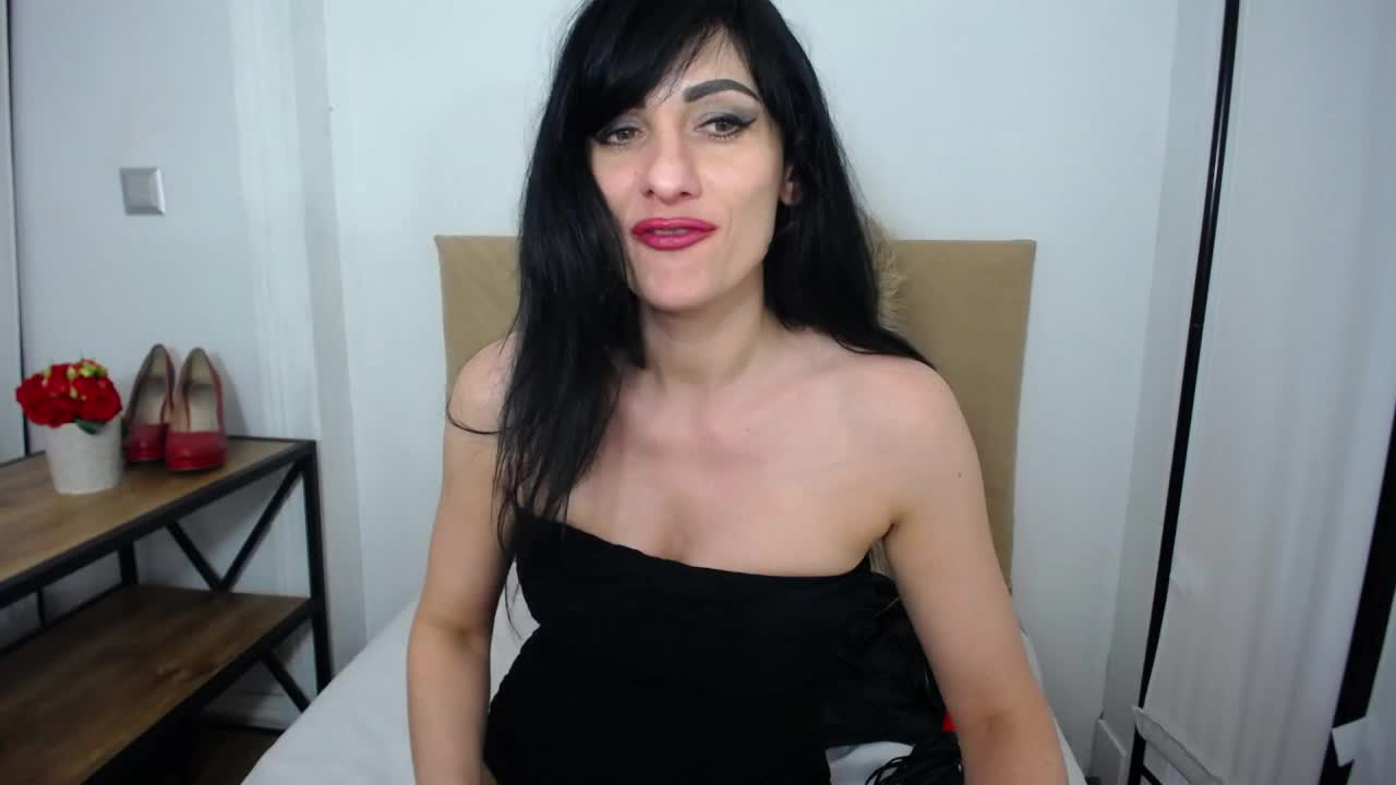IsabellPetite cam pics and nude photos 10