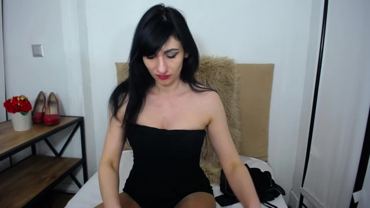 IsabellPetite cam pics and nude photos 6