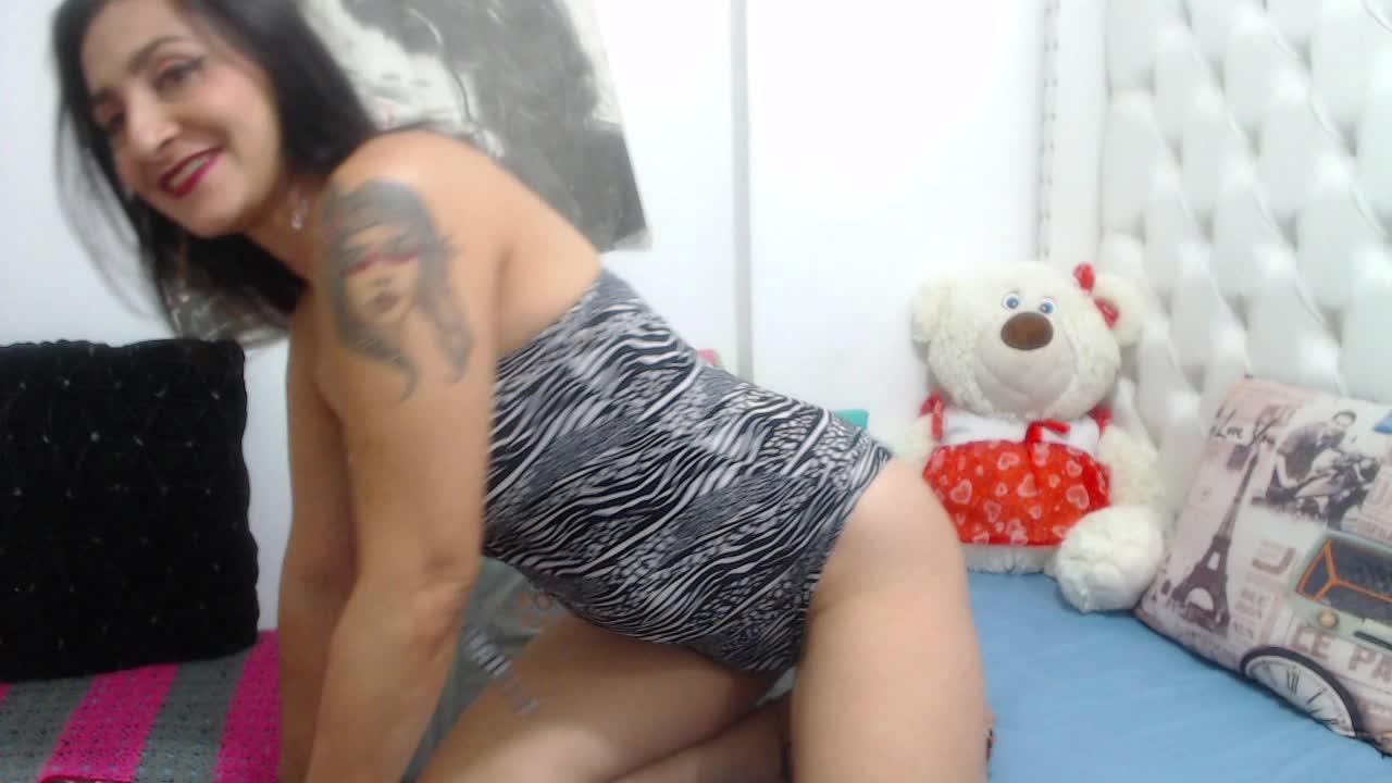 KarinnaSuarez cam pics and nude photos 20