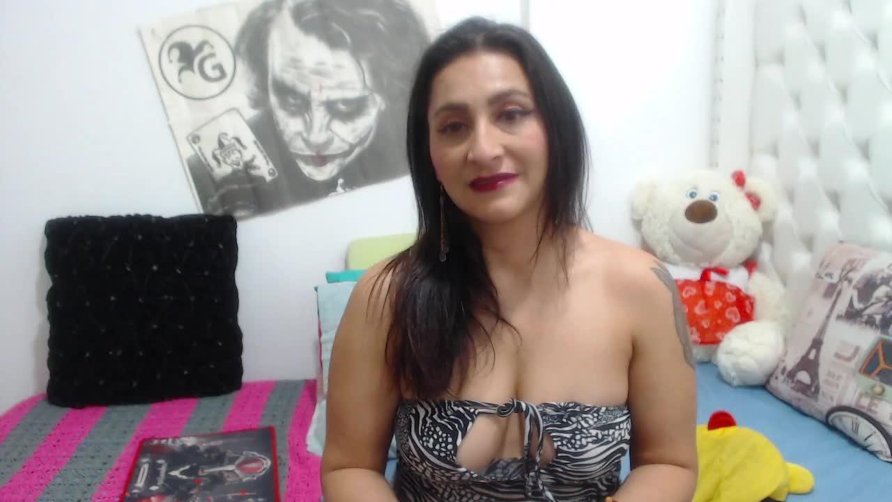 KarinnaSuarez cam pics and nude photos 18