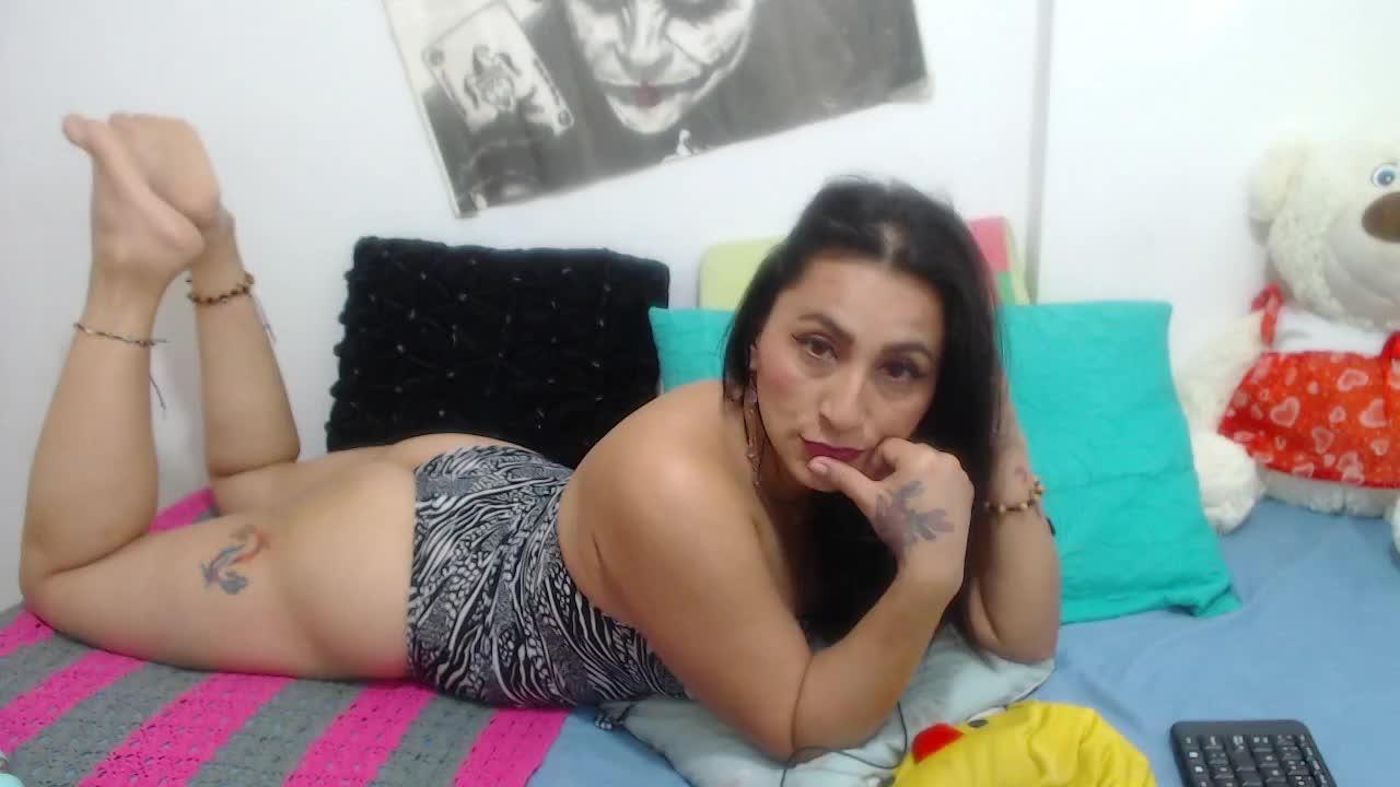 KarinnaSuarez cam pics and nude photos 12