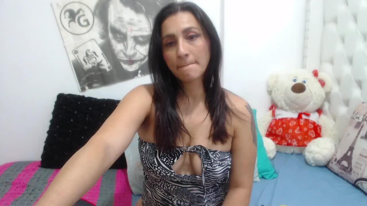 KarinnaSuarez cam pics and nude photos 6