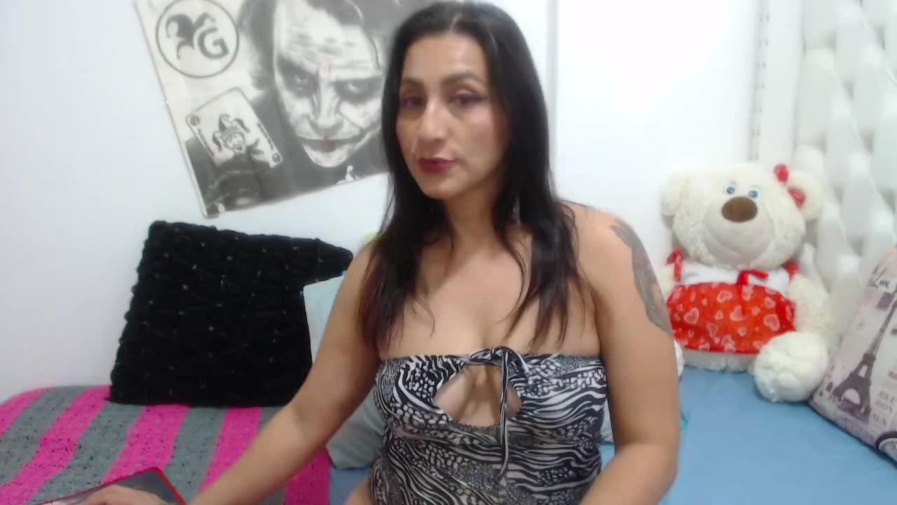 KarinnaSuarez cam pics and nude photos 5