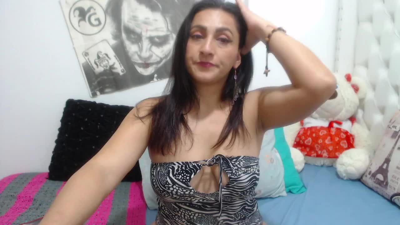 KarinnaSuarez cam pics and nude photos 4