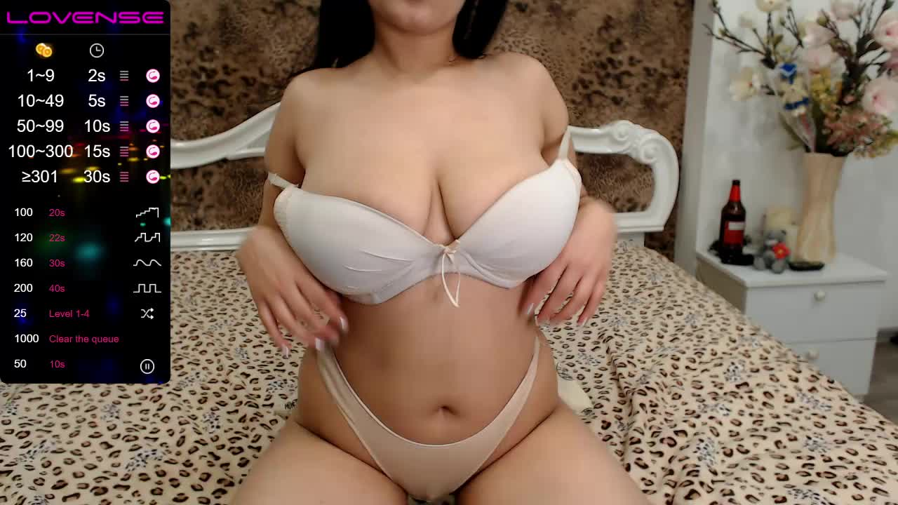 L1anaEast cam pics and nude photos 8