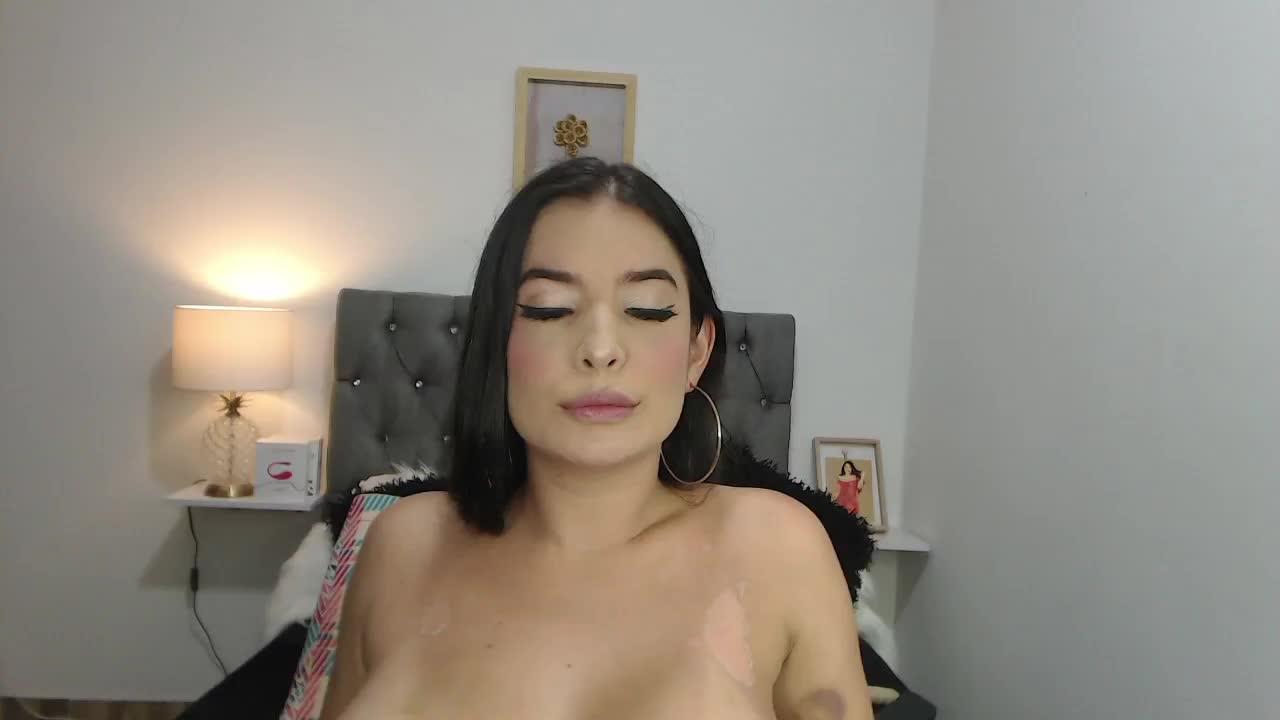 lolarose cam pics and nude photos 1