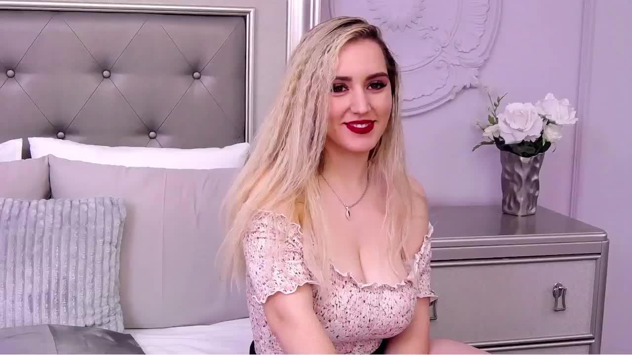 LorelaiMedina cam pics and nude photos 17