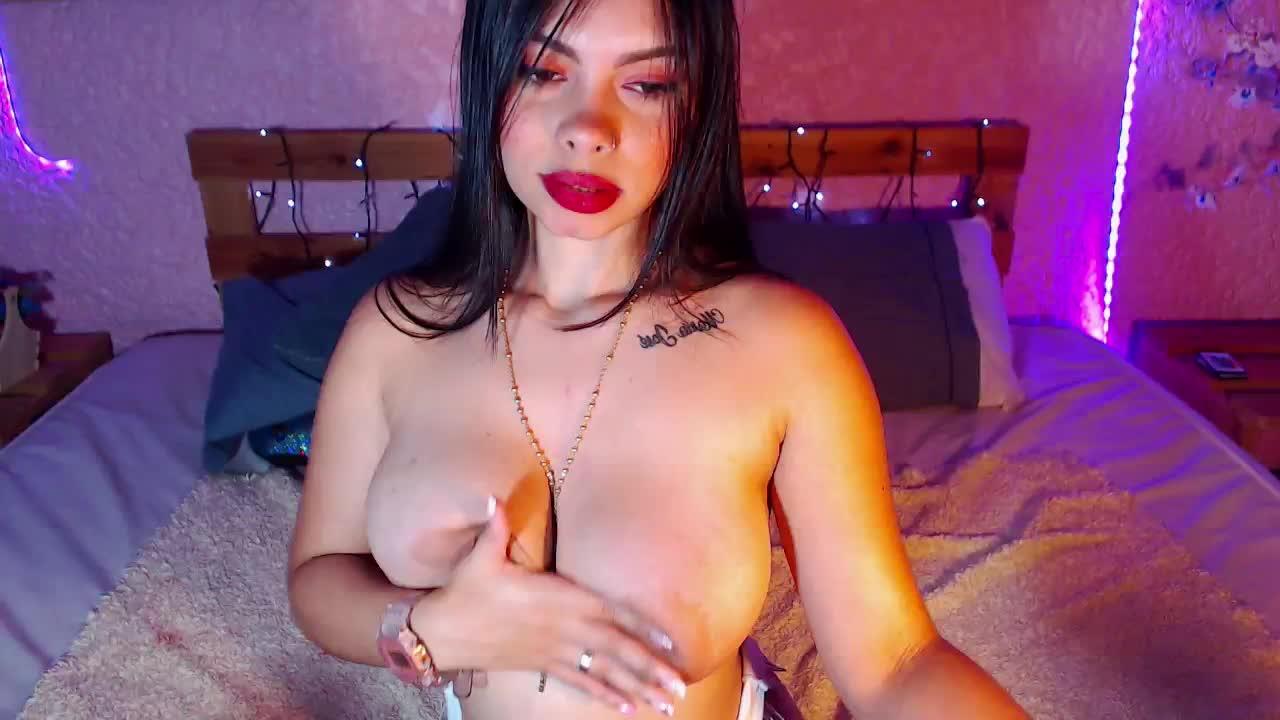 MartinaBianchi cam pics and nude photos 16