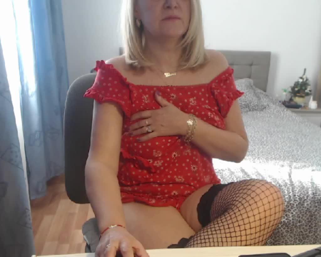 MatureDiana4u cam pics and nude photos 20