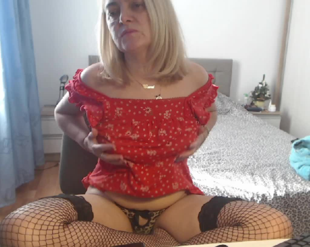 MatureDiana4u cam pics and nude photos 15