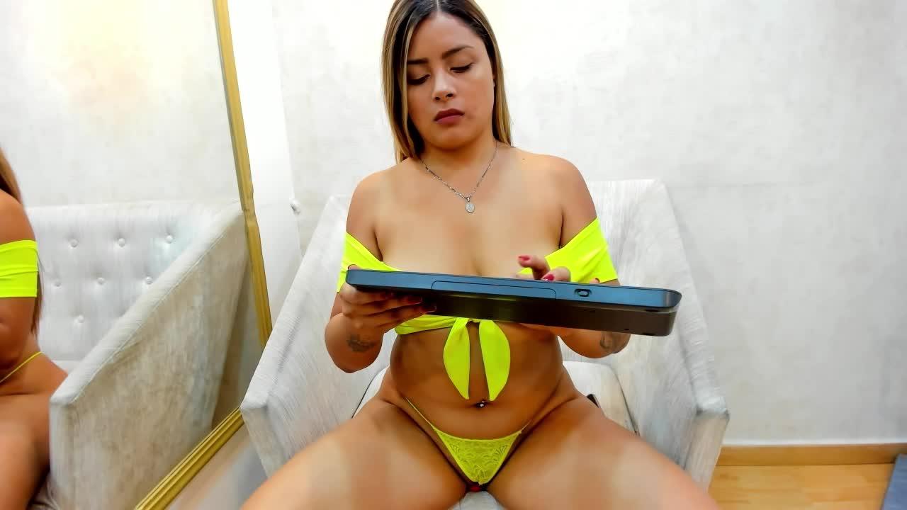 MelanyHuston cam pics and nude photos 20