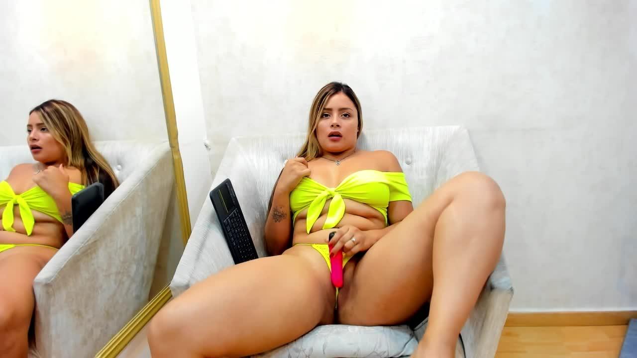 MelanyHuston cam pics and nude photos 18
