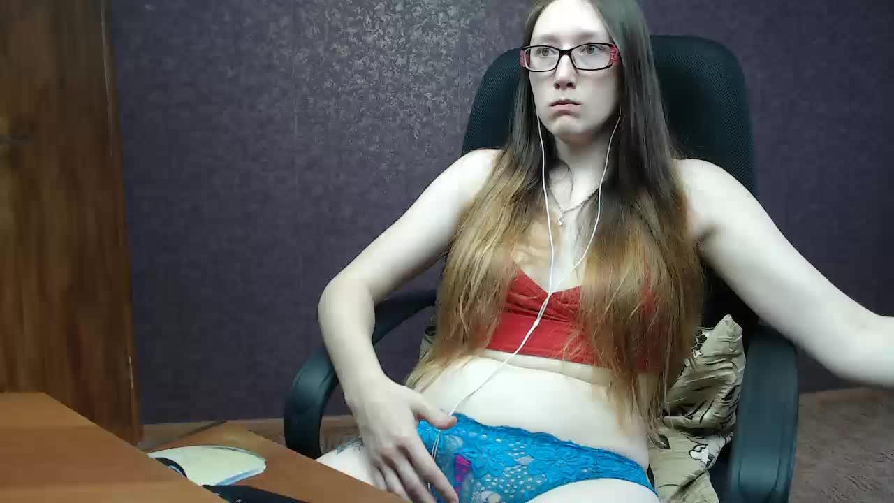MilkNudeGirl cam pics and nude photos 9
