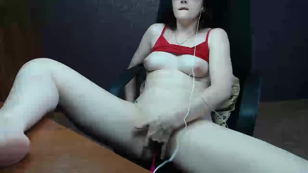 MilkNudeGirl cam pics and nude photos 3