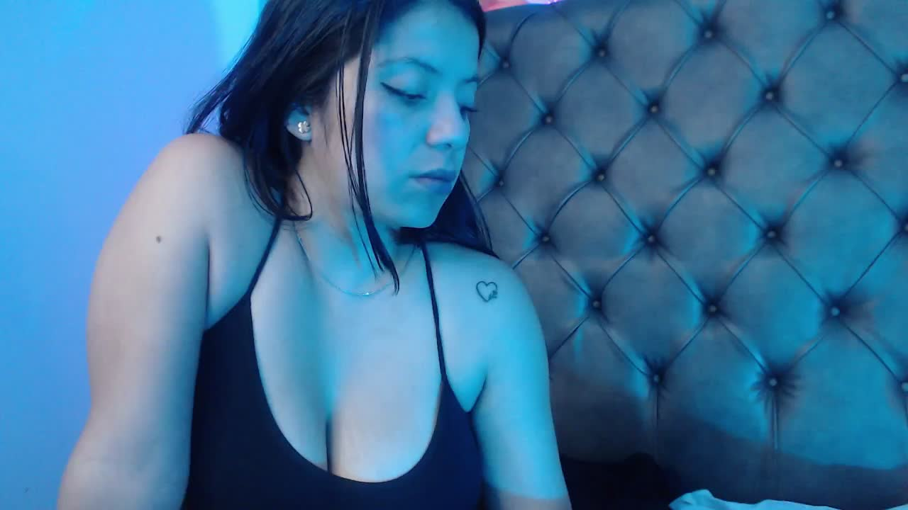 MillyBloom cam pics and nude photos 13