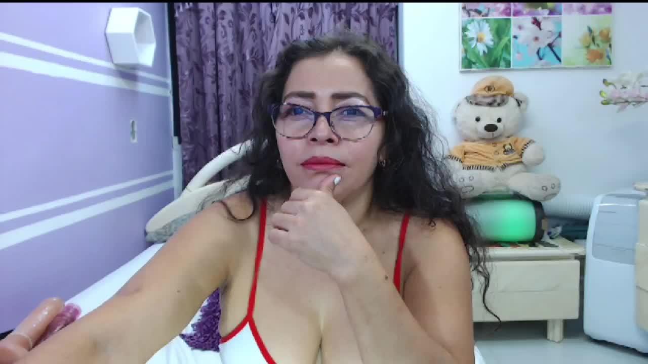 NatallyTunovia cam pics and nude photos 13