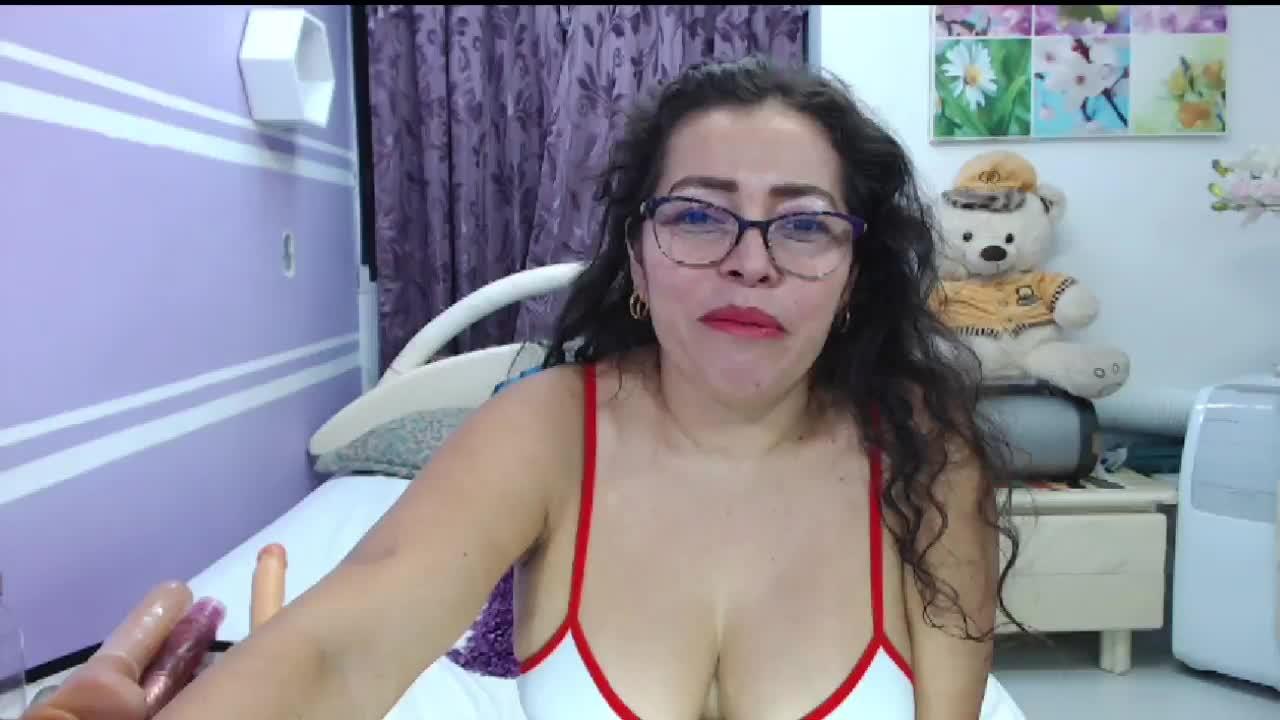 NatallyTunovia cam pics and nude photos 11
