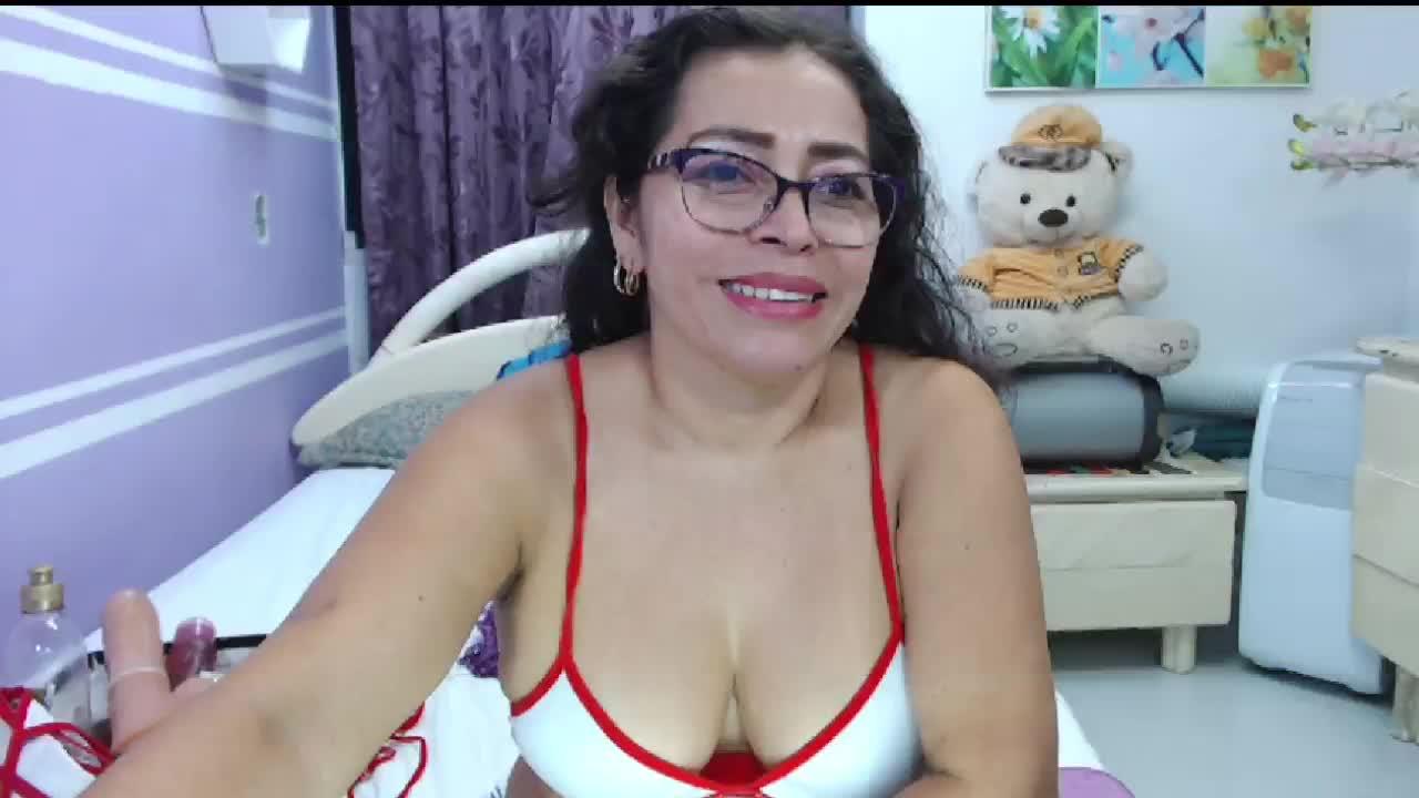 NatallyTunovia cam pics and nude photos 9