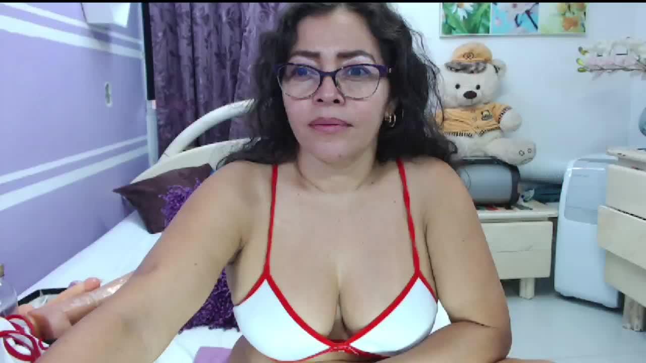NatallyTunovia cam pics and nude photos 4