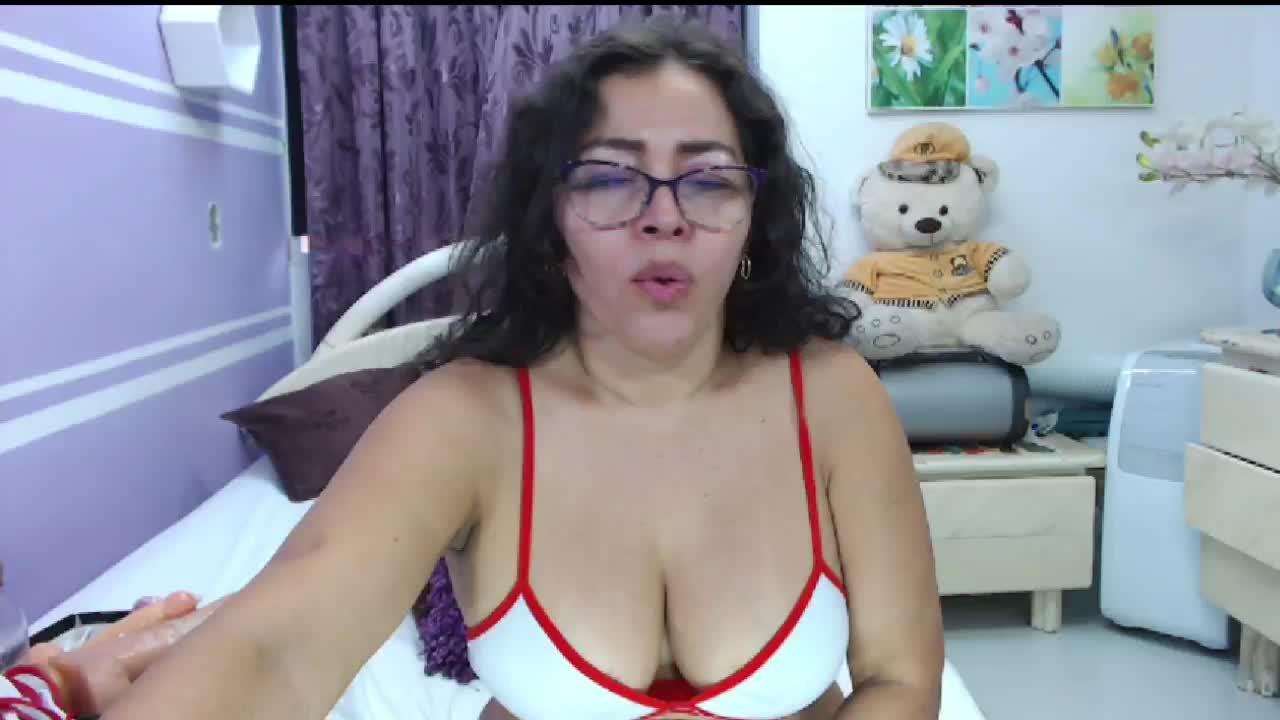NatallyTunovia cam pics and nude photos 2