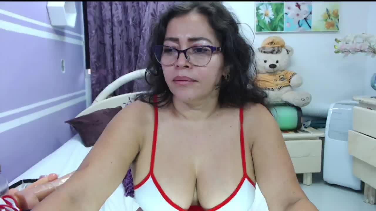 NatallyTunovia cam pics and nude photos 1