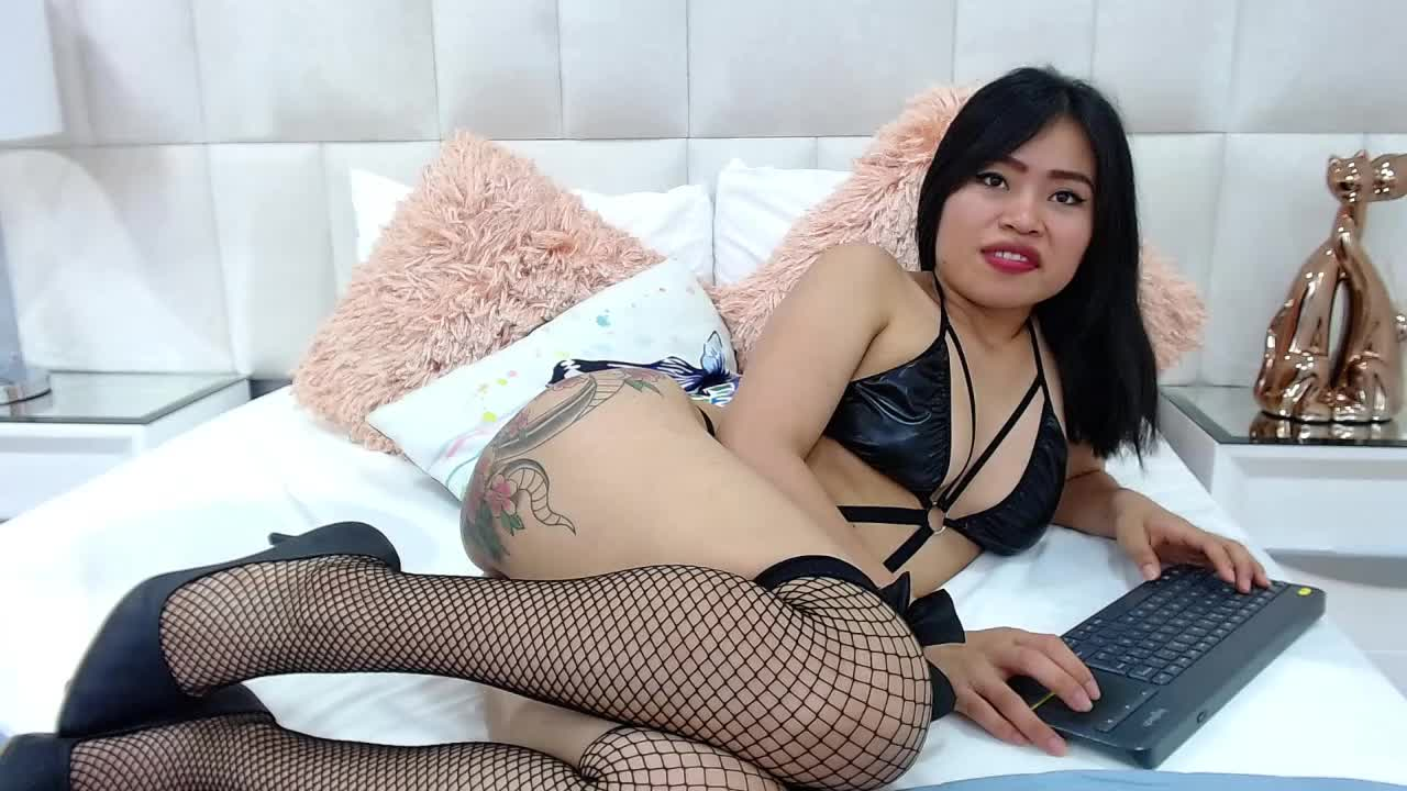 NiushaYuu cam pics and nude photos 15