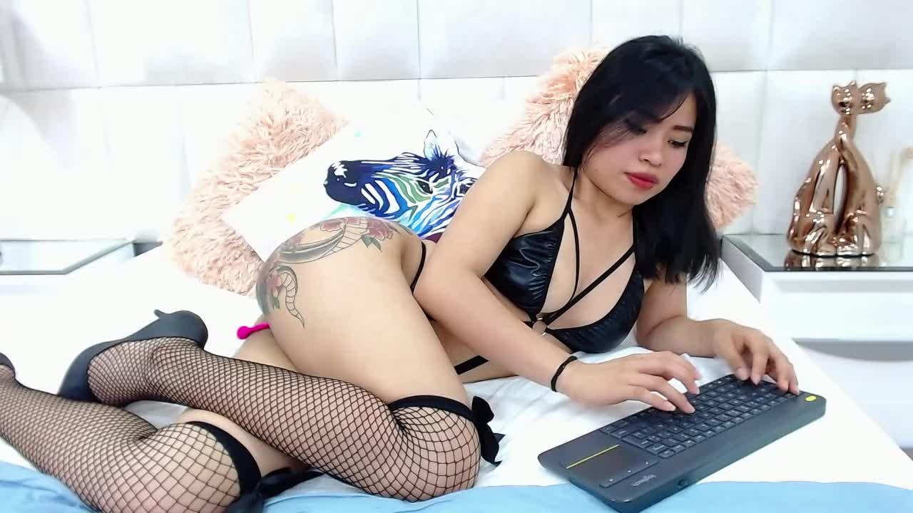 NiushaYuu cam pics and nude photos 9
