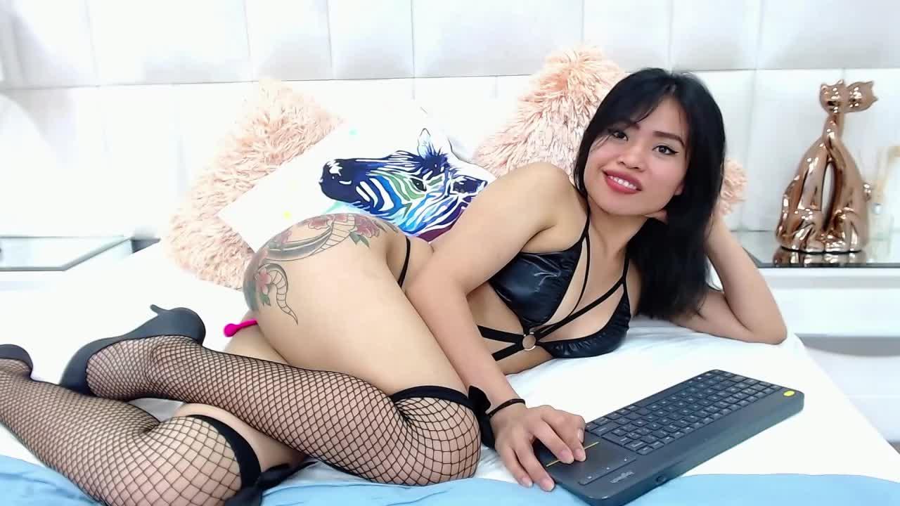 NiushaYuu cam pics and nude photos 8