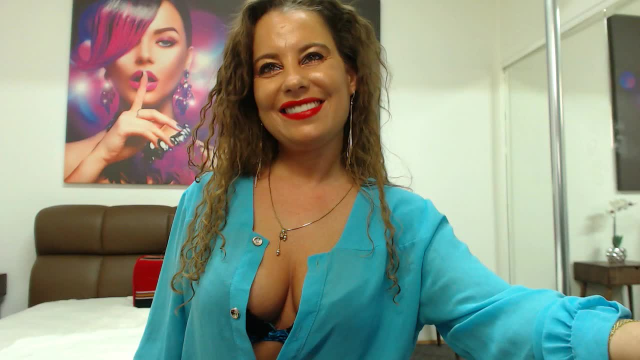 PetiteAlissa cam pics and nude photos 15