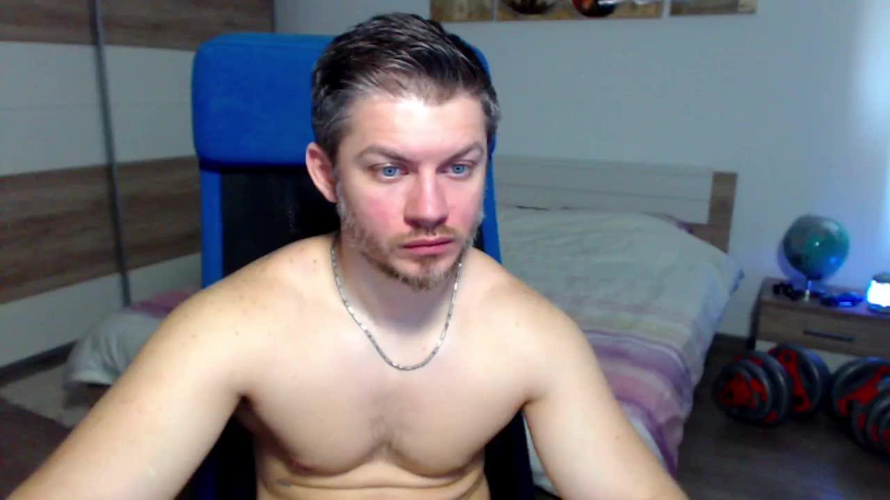 RobbyShawz cam pics and nude photos 18
