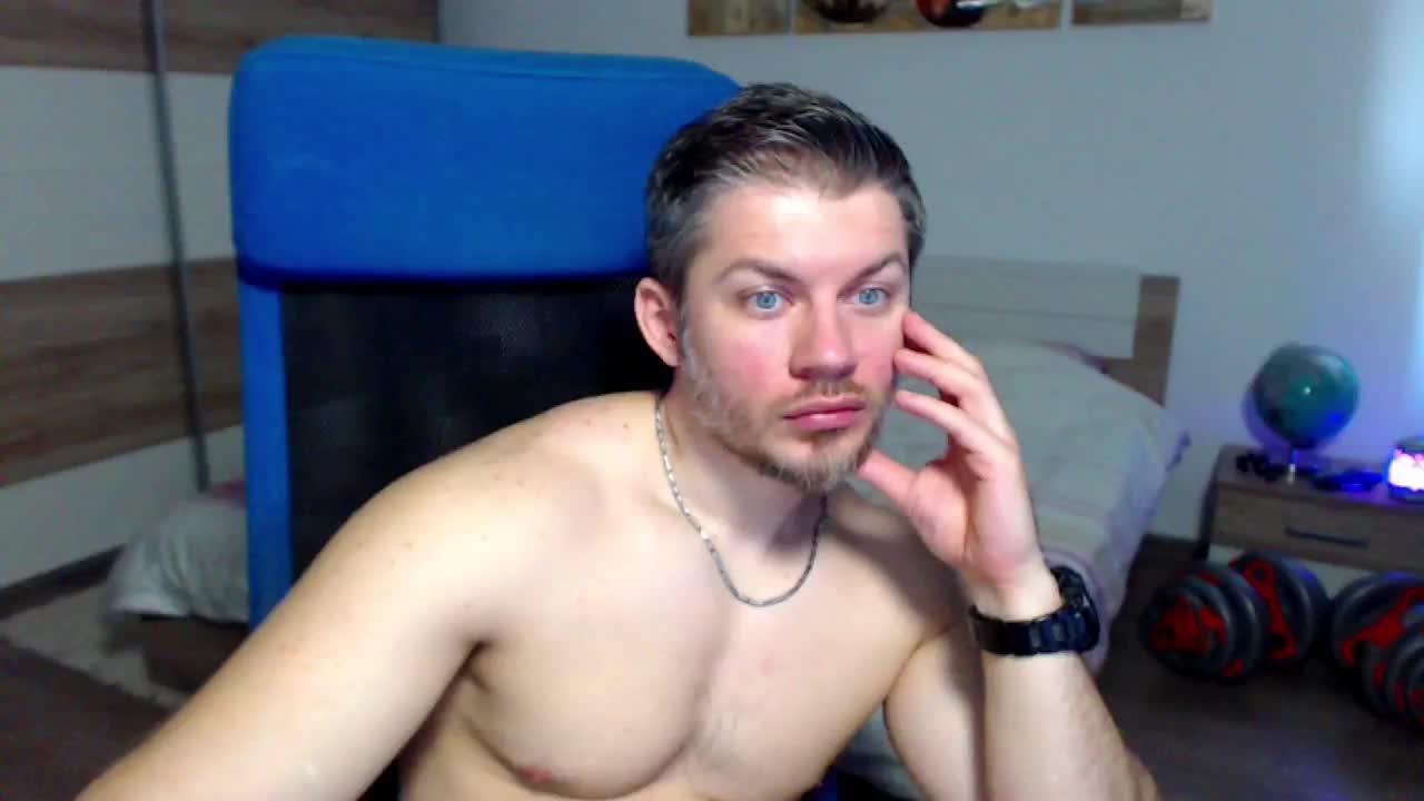 RobbyShawz cam pics and nude photos 16