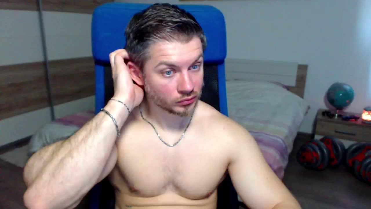 RobbyShawz cam pics and nude photos 11