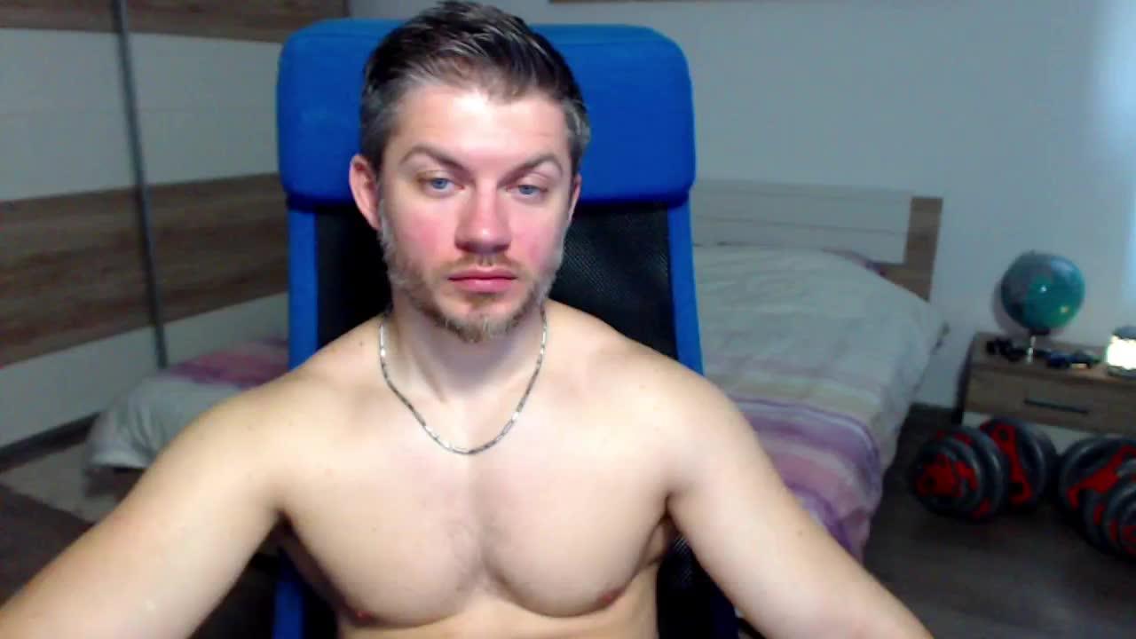 RobbyShawz cam pics and nude photos 9