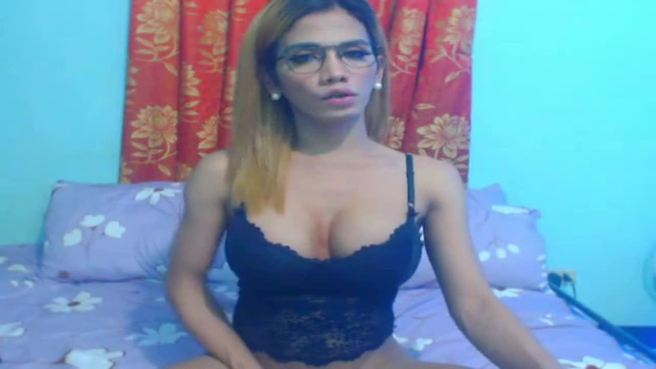 SelfsuckTsxxxTS cam pics and nude photos 11
