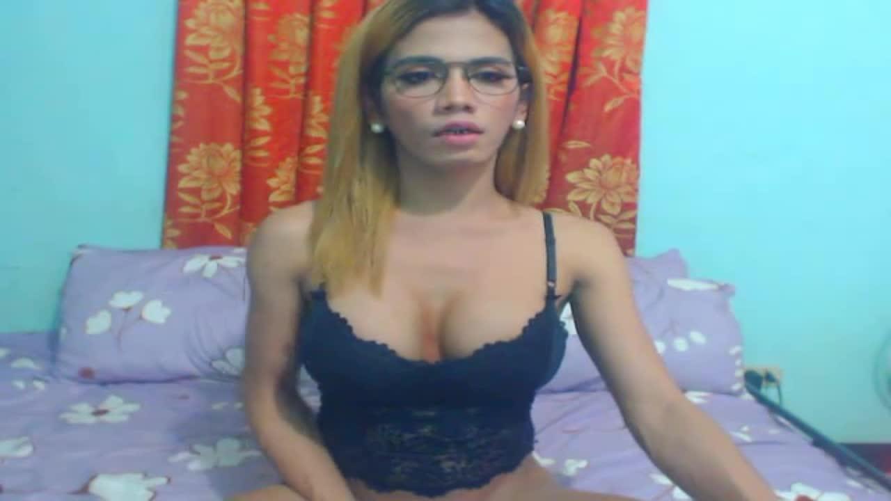 SelfsuckTsxxxTS cam pics and nude photos 3