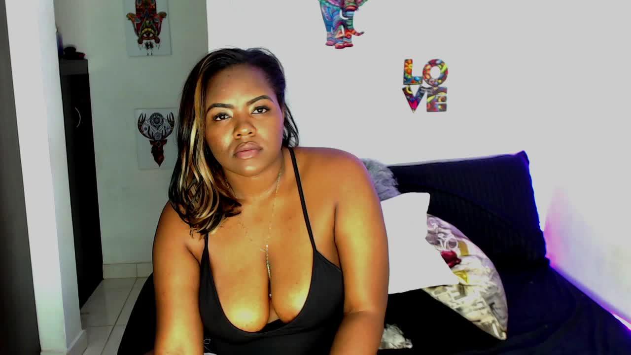 Tayra_Lance cam pics and nude photos 14
