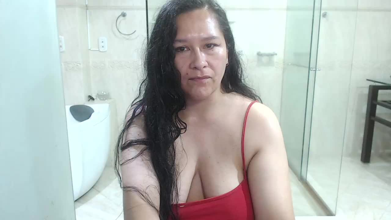 whitelilli cam pics and nude photos 18