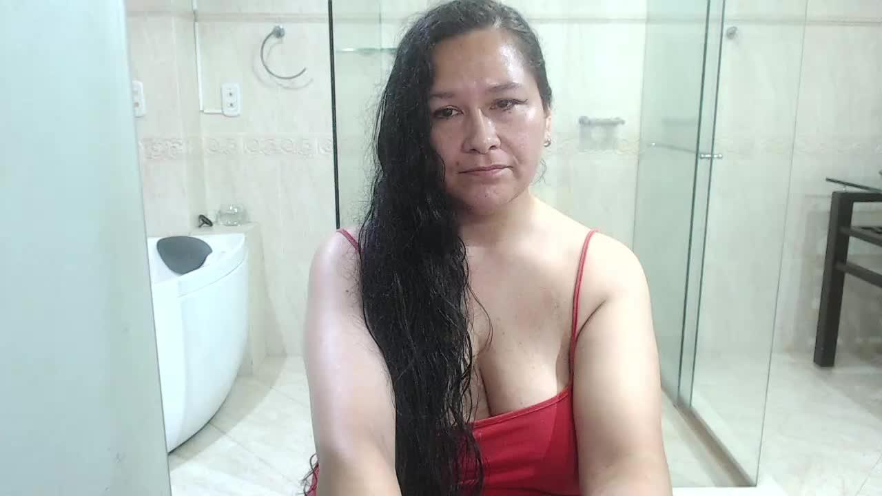 whitelilli cam pics and nude photos 13