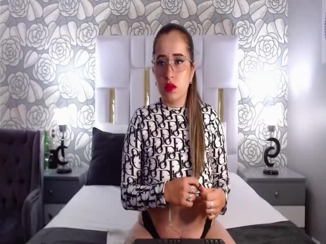 AlexiaKebbel live sex cam