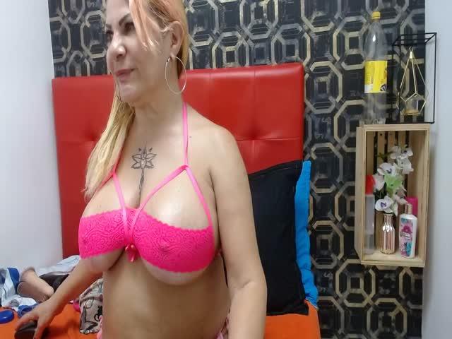 AnngelaCastillo live sex cam