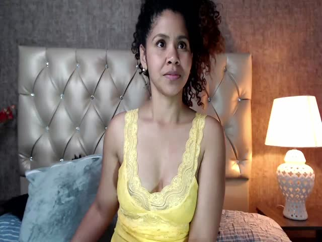 Areta_Jones live sex cam