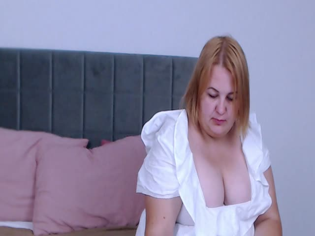 BrandiMills live sex cam