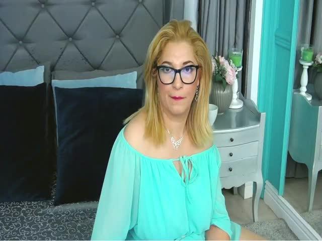 BrendaPercy live sex cam
